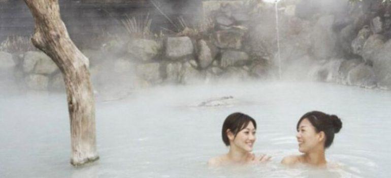 tắm onsen nhật bản